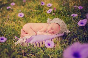 bebe en flor