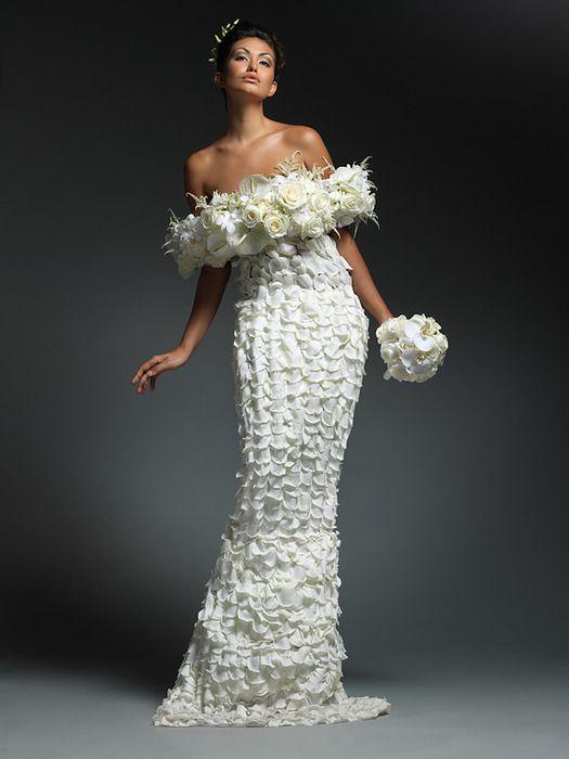 vestido-rosas-blancas-de-novia