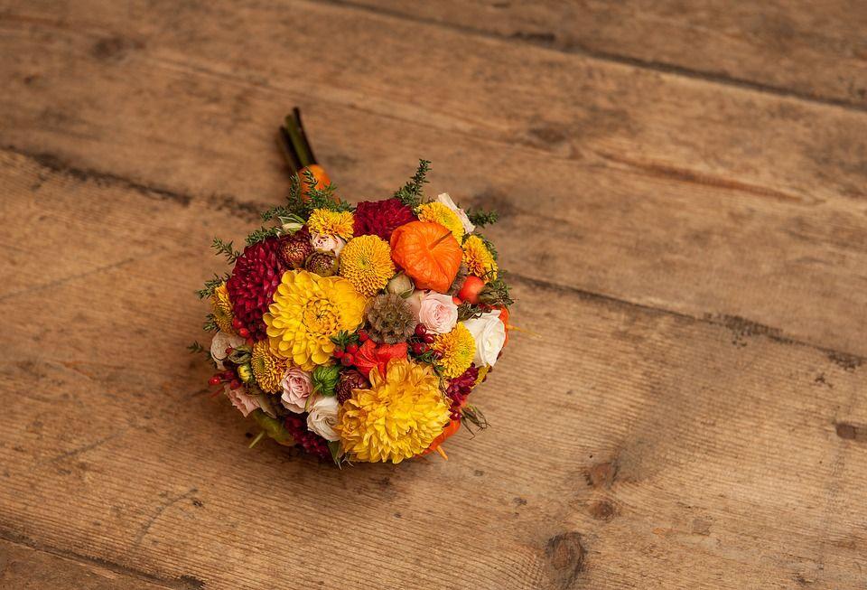 Ideas de flores para ramos de novia en otoño