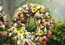 Consejos para elegir la corona funeraria más apropiada