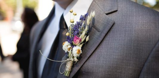 boutonnieres para padrinos de boda