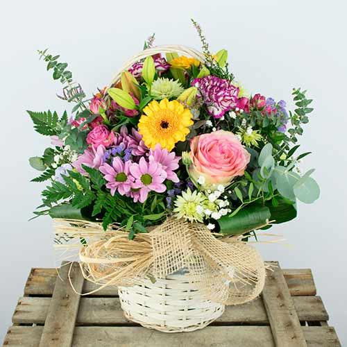 enviar cesta de flores variadas